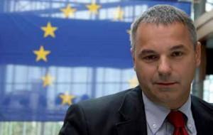 Niccolò Rinaldi Member of the European Parliament (Gruppo ALDE) Florentine and author of Firenze Insolita e Segreta - Jonglez