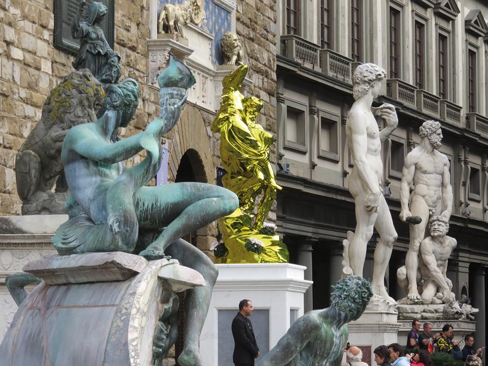 koons e statue eturisti