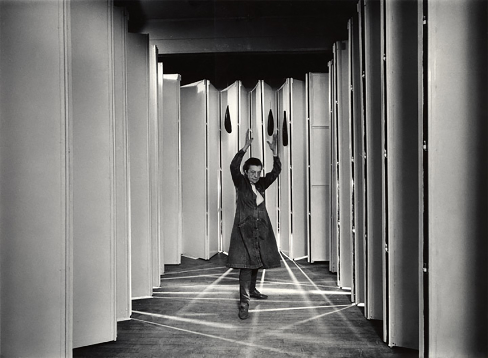 Louise Bourgeois nel 1986 - © Peter Bellamy © The Easton  Foundation - VEGAP Madrid