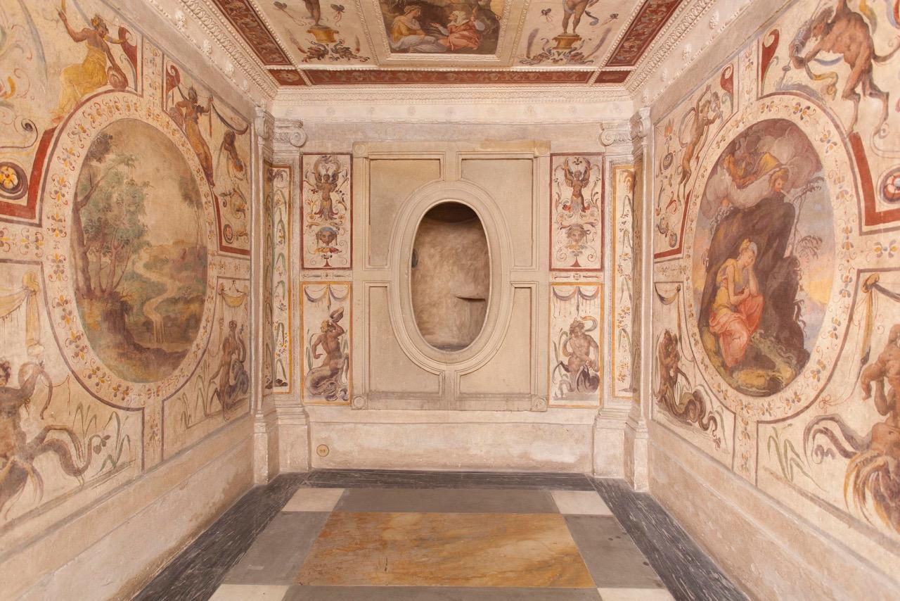 il comodo di cosimo de medici ovvero il bagno del granduca collocato in uno spazio adiacente alla sala dei dugento allinterno di palazzo vecchio